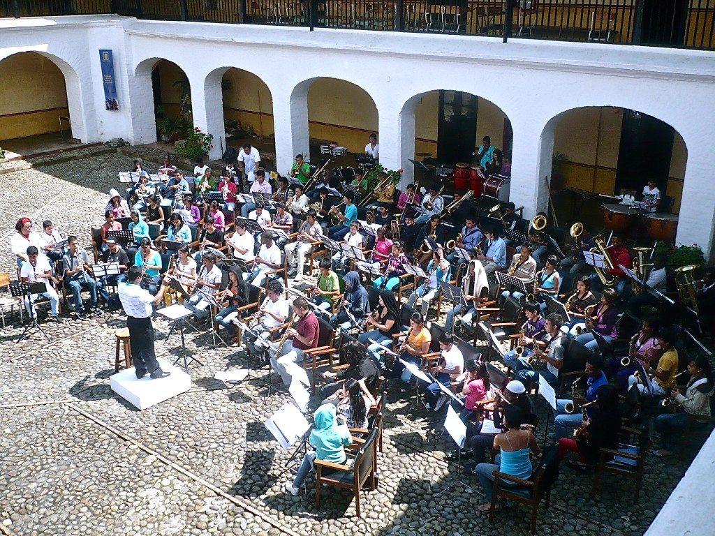OCV . Orquesta Caucana de Vientos ensayando bajo la dirección del Mtro. Germán Hernández Castro